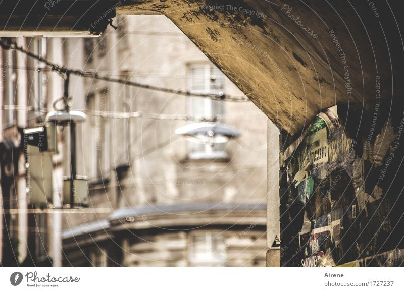 City Old Dark Wall (building) Wall (barrier) Brown Dirty Dangerous Threat Bridge Claustrophobia Street lighting Capital city Creepy Old town Under