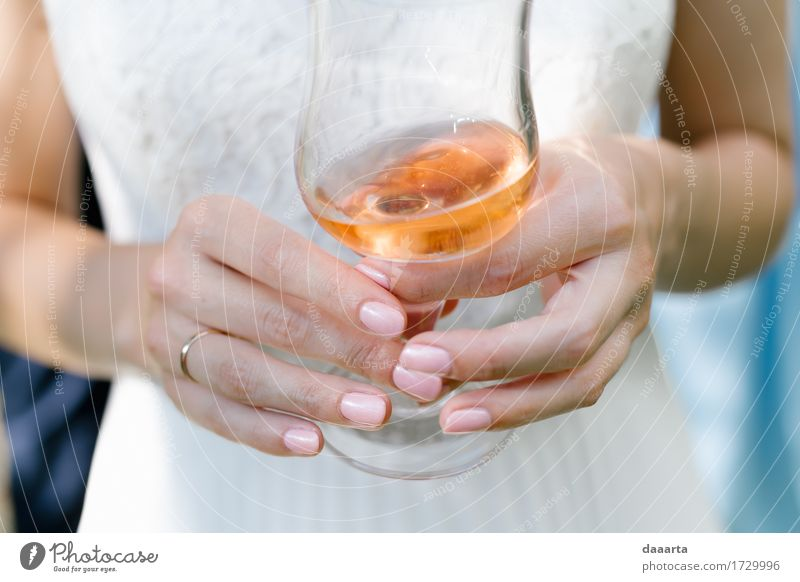 chillin bride Alcoholic drinks Sparkling wine Prosecco Champagne Lifestyle Elegant Style Design Joy Beautiful Nail polish Harmonious Senses Relaxation
