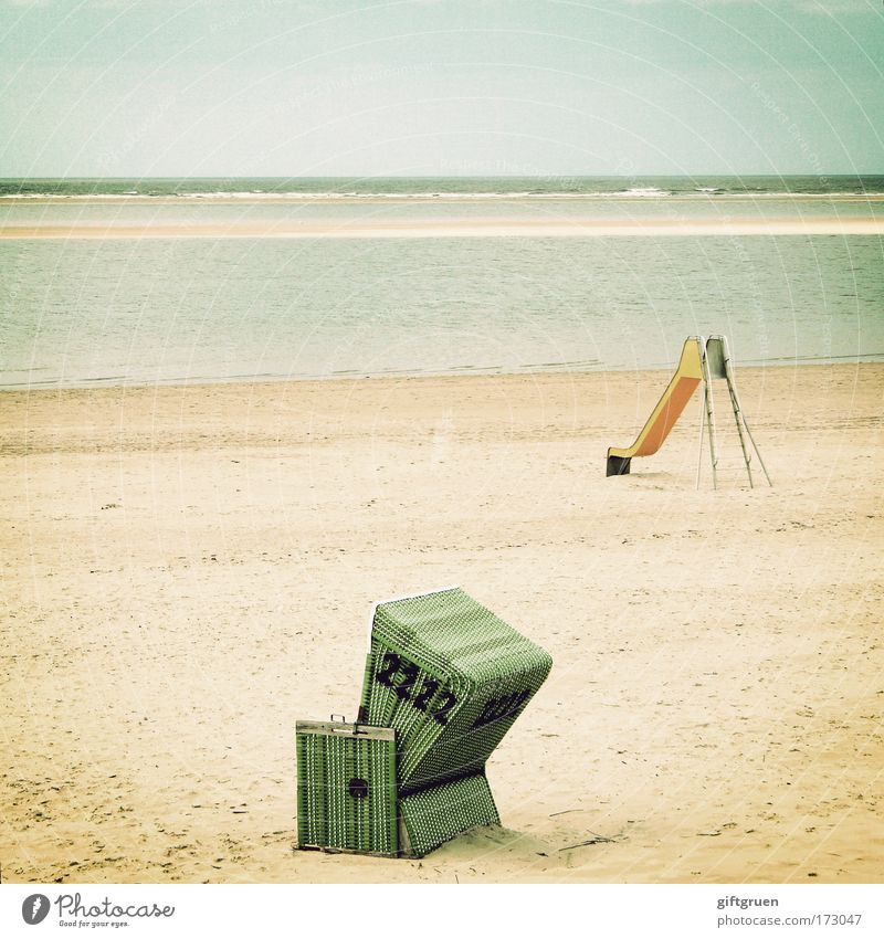 juxtaposition Colour photo Deserted Copy Space left Copy Space top Day Joy Leisure and hobbies Playing Vacation & Travel Summer Summer vacation Beach Ocean