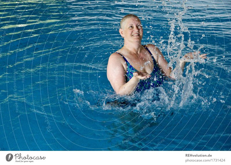 Human being Woman Relaxation Joy Adults Life Natural Movement Feminine Healthy Happy Swimming & Bathing Health care Contentment Happiness Smiling