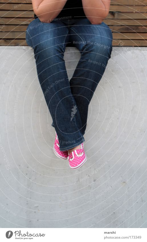Human being Joy Relaxation Feminine Emotions Wood Stone Footwear Legs Wait Arm Pink Sit Perspective Cool (slang) Jeans