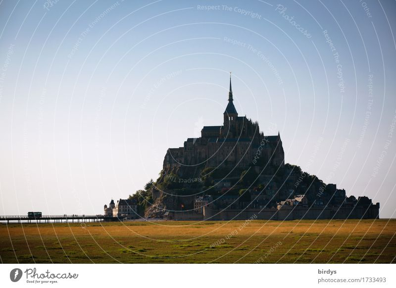 Mont - Saint - Michel Vacation & Travel Tourism Trip Sightseeing Ocean Island Mud flats Architecture Landscape Cloudless sky Summer Beautiful weather Coast
