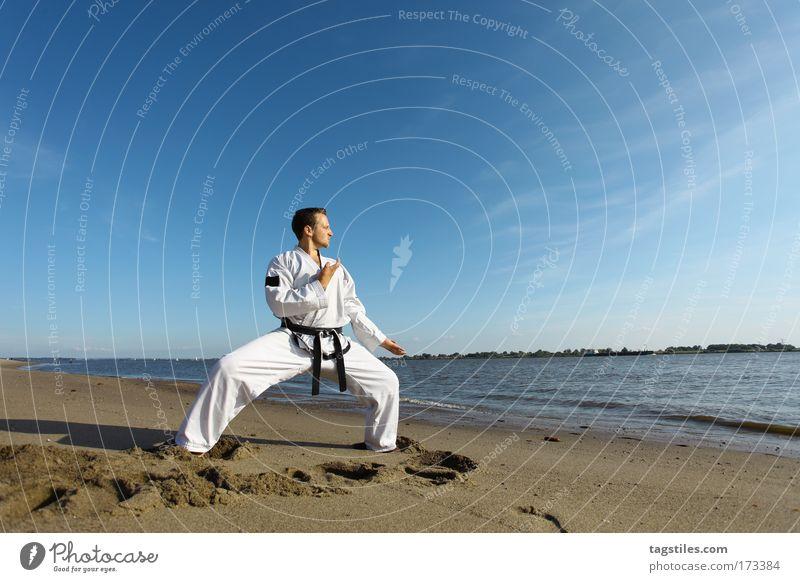 Man Beach Black Power Force Dynamics Testing & Control Combat sports Fellow Elbe Belt Martial arts Defensive Precision Karate Fighter
