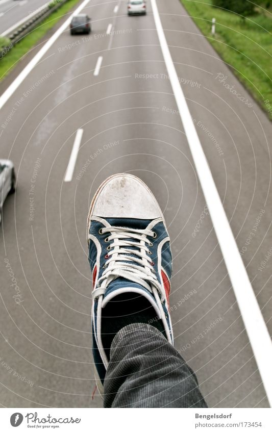 Guillivers Travel Human being Legs Feet 1 Means of transport Road traffic Motoring Pedestrian Street Highway Bridge Car Sneakers Colour photo Exterior shot