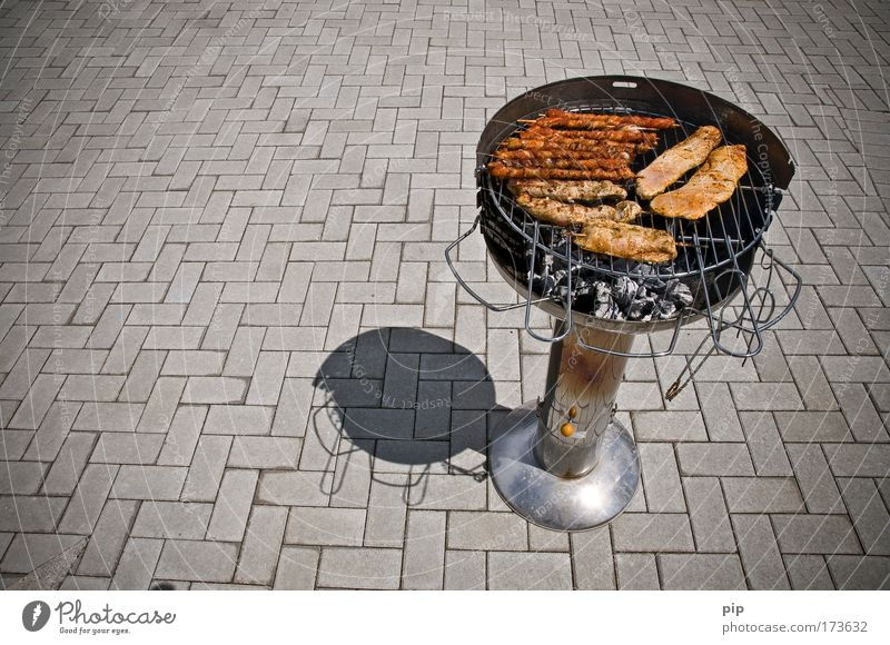 flesh Deserted Day Bird's-eye view Meat Sausage Steak Escalope Bratwurst Small sausage Barbecue (event) Barbecue (apparatus) Paving stone Hot Delicious