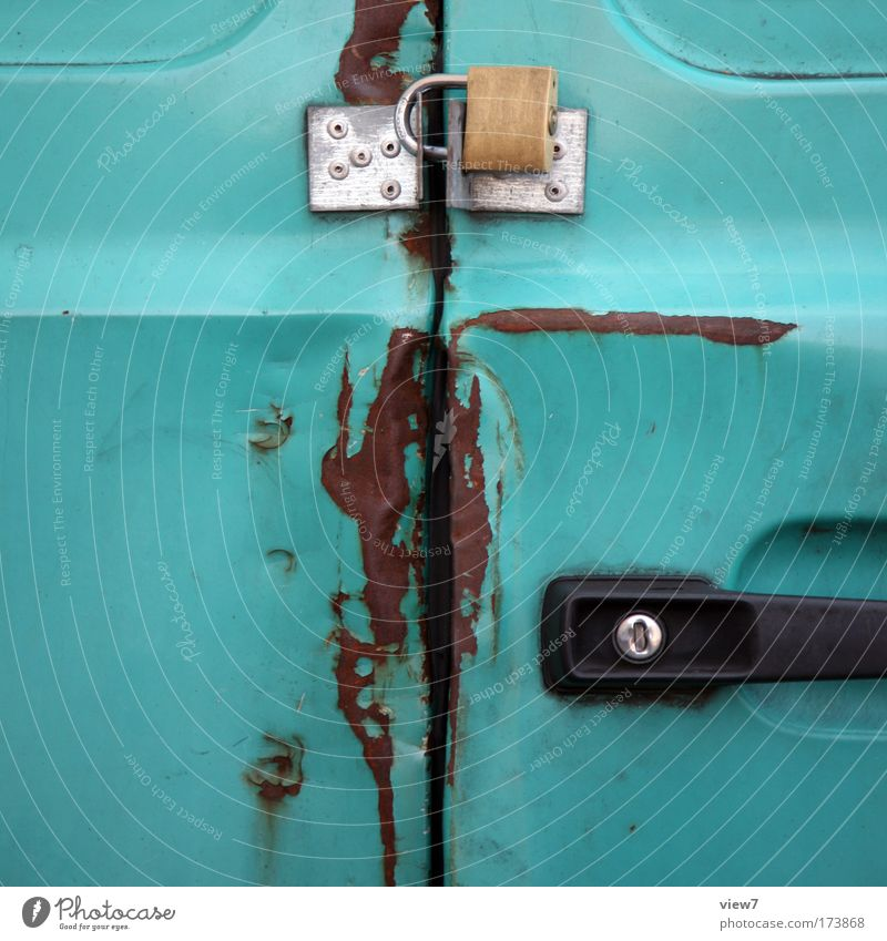 safe is safe Colour photo Exterior shot Detail Deserted Copy Space left Deep depth of field Transport Vehicle Car Truck Trailer Metal Lock Old Exceptional Dirty