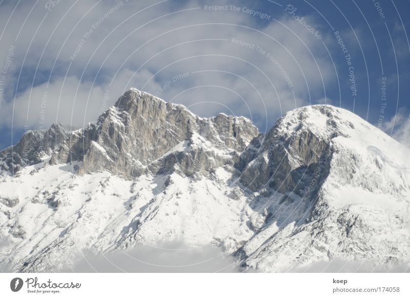 Mountain in Tyrol with snow; Colour photo Exterior shot Deserted Copy Space left Copy Space right Copy Space top Copy Space bottom Copy Space middle Dawn Day