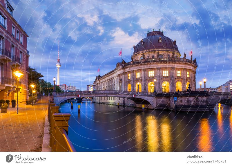 Museum Island at Night Tourism Sightseeing City trip Night life Culture Night sky River Spree Berlin Downtown Berlin Germany Town Capital city Old town