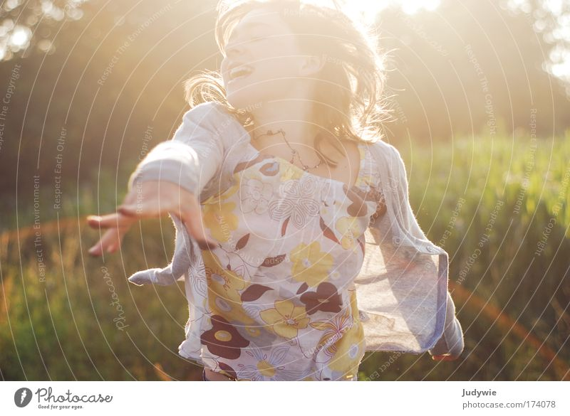 Human being Child Nature Youth (Young adults) Girl Summer Environment Life Feminine Emotions Movement Infancy Power Leisure and hobbies Wild Walking