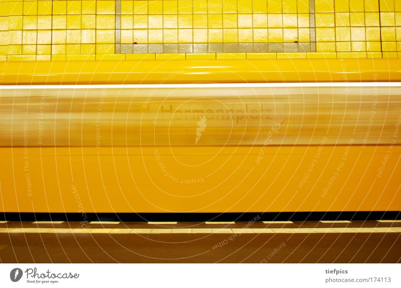 City Loneliness Yellow Wall (building) Wall (barrier) Signs and labeling Transport Esthetic Speed Driving Logistics Underground Traffic infrastructure Mobility