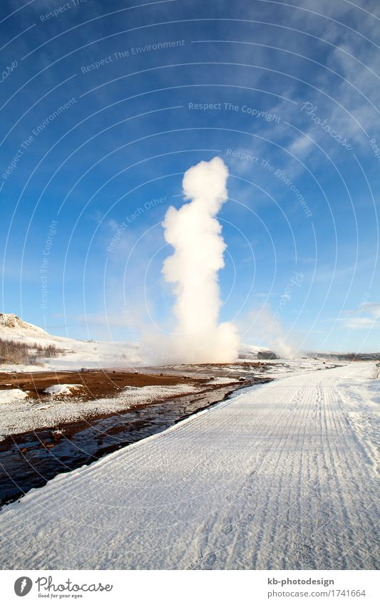 Geysir erruption of Strokkur in Iceland Vacation & Travel Tourism Sightseeing Winter Nature geyser hot jump great geyser source sources geothermal sources