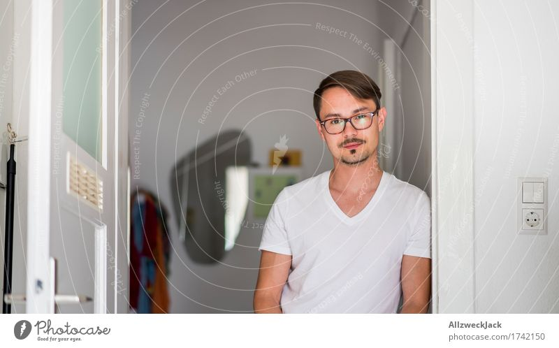Human being Youth (Young adults) Man Young man Loneliness 18 - 30 years Adults Masculine Living or residing Wait Eyeglasses Kitchen Boredom Short-haired Part Resident
