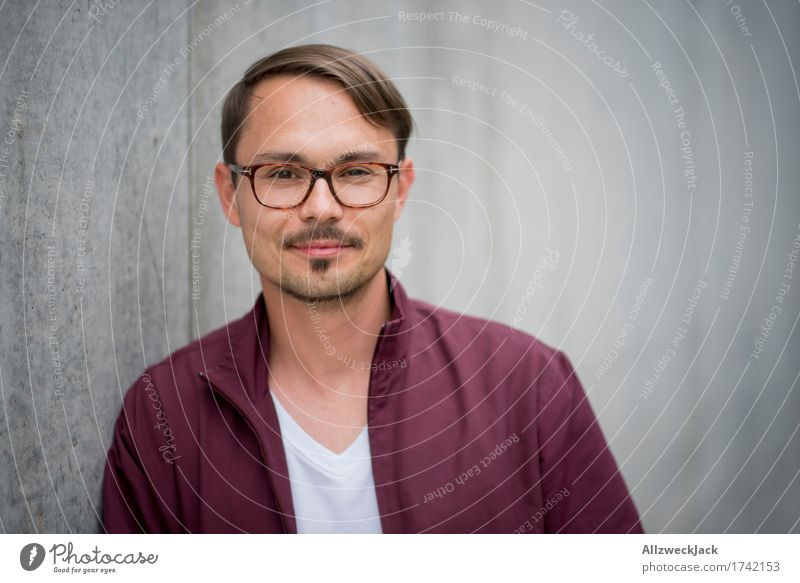 portrait 3 Masculine Young man Youth (Young adults) Man Adults 1 Human being 18 - 30 years 30 - 45 years Jacket Eyeglasses Brunette Part Moustache Brash