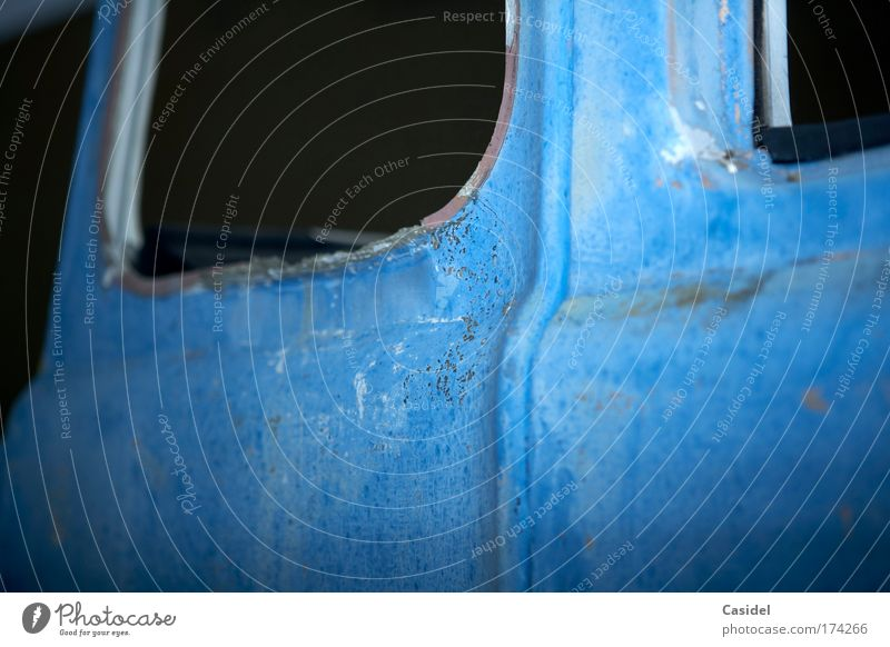 the blue wreck Colour photo Exterior shot Deserted Copy Space left Copy Space bottom Night Flash photo Shallow depth of field Ready for scrap Scrapyard
