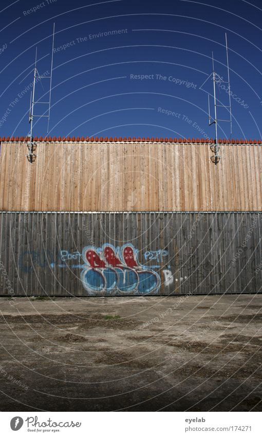 Sky Blue City Wall (building) Wood Wall (barrier) Building Graffiti Brown Art Design Concrete Facade Arrangement Places Technology