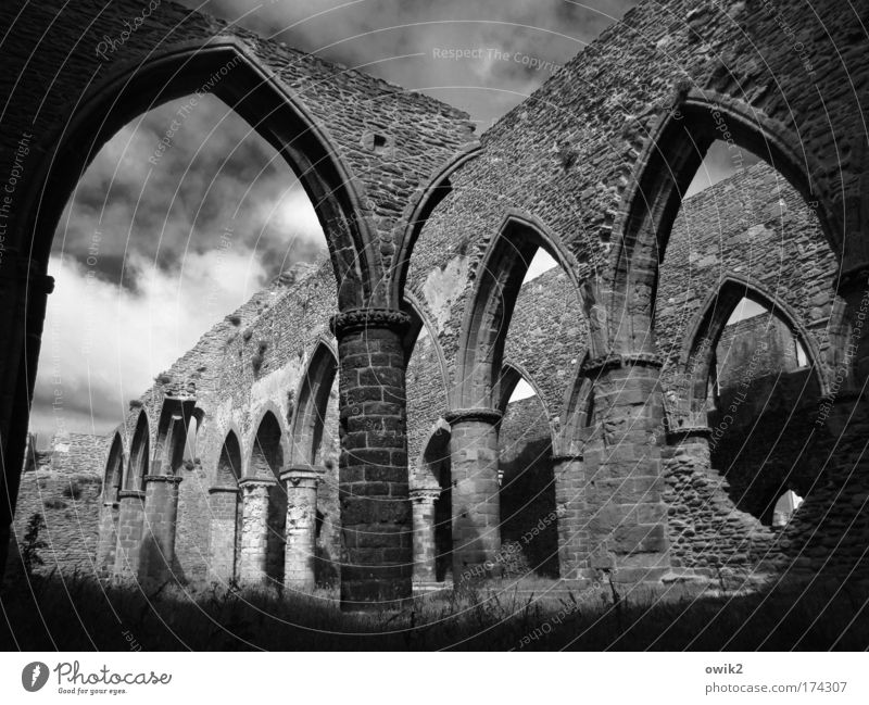 Old Sky Clouds Wall (building) Wall (barrier) Building Religion and faith Architecture Large Church Transience Monument Past France Manmade structures