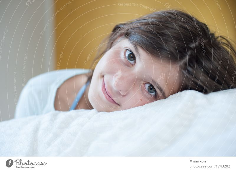 rest Feminine Girl Youth (Young adults) Life Head 1 Human being 13 - 18 years Smiling Lie Sleep Looking Calm Break Relaxation Girlish Girl`s face
