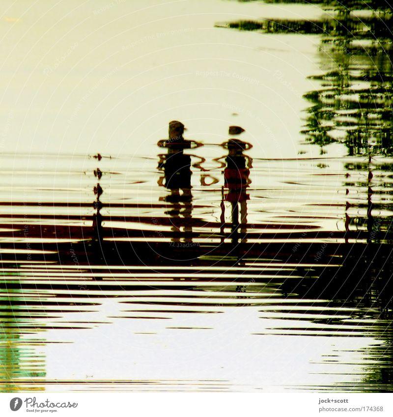 Water Love Natural Together Waves Stand Observe Joie de vivre (Vitality) Cute Bridge Romance Trust Infatuation Relationship Harmonious Lovers