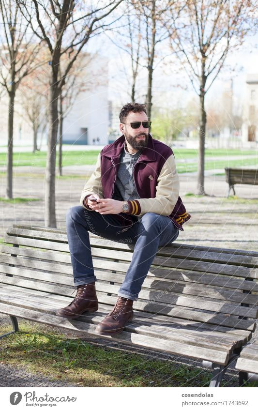 Human being Youth (Young adults) Young man 18 - 30 years Adults Lifestyle Style Playing Masculine Leisure and hobbies Authentic Telecommunications Uniqueness Academic studies Instant messaging Internet