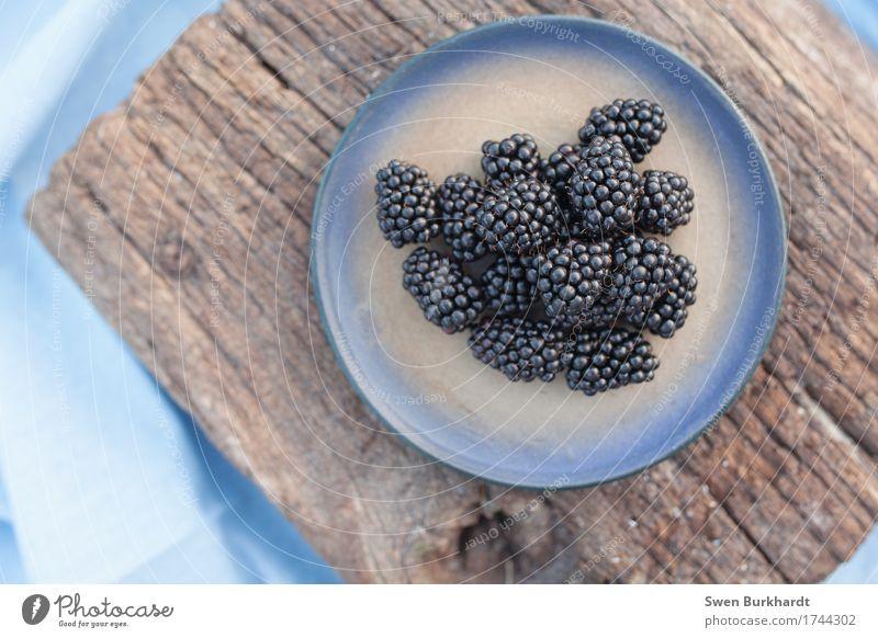 blackberry Food Nutrition Picnic Organic produce Vegetarian diet Diet Fasting Slow food Plate Healthy Healthy Eating Allergy Wood To enjoy Juicy Sweet Blue