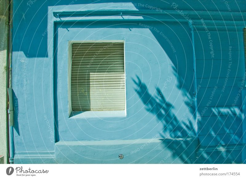 Sun Blue Summer House (Residential Structure) Wall (building) Window Facade Closed Store premises Trade Relationship Tenant Town house (City: Block of flats)