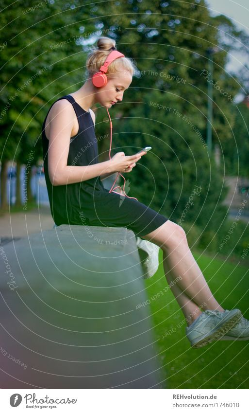 Alexa Cityhipster. Contentment Relaxation Calm Leisure and hobbies Listen to music Music Summer Human being Feminine Young woman Youth (Young adults) 1