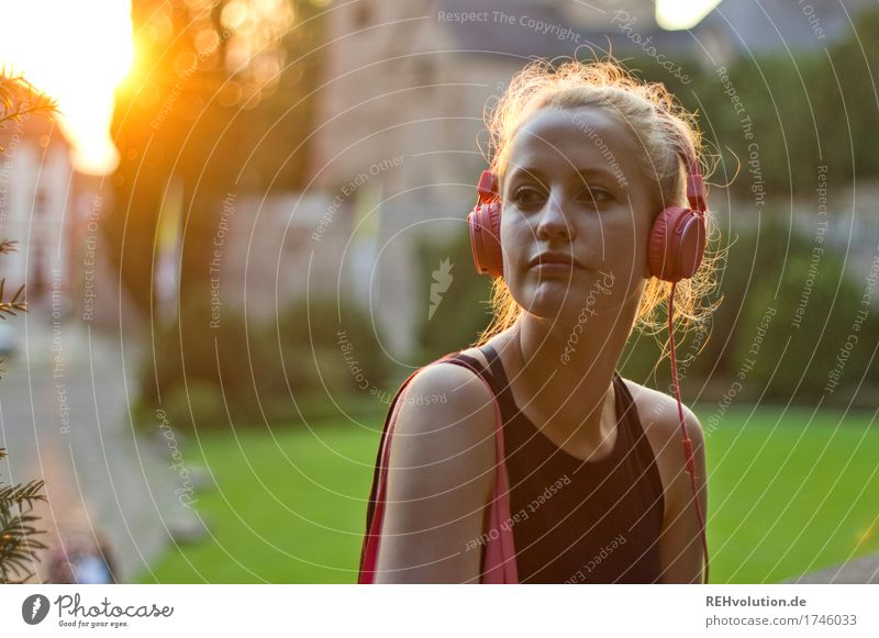 Alexa Cityhipster. Lifestyle Style Leisure and hobbies Human being Feminine Young woman Youth (Young adults) Face 1 18 - 30 years Adults Youth culture Music