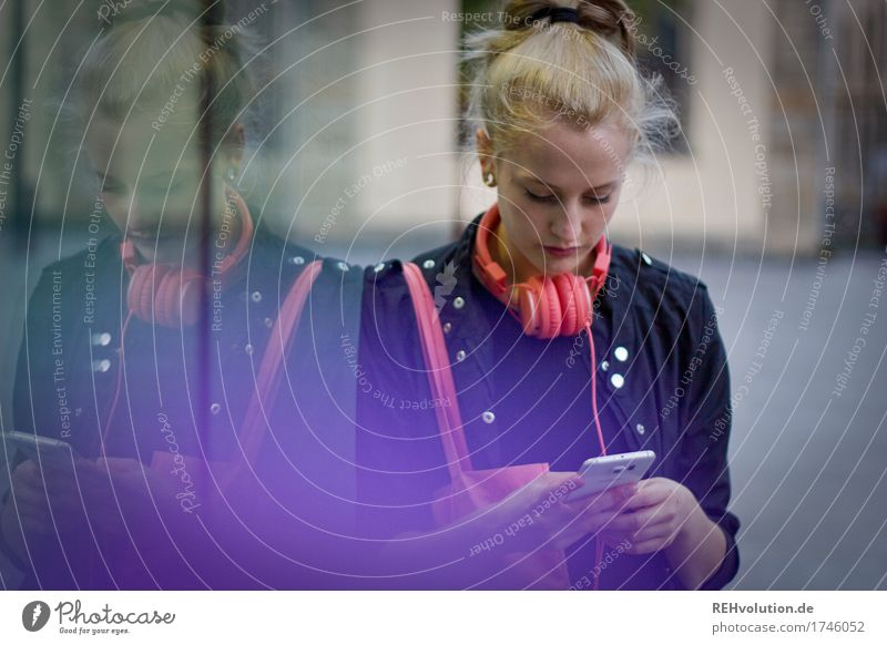 Alexa Cityhipster. Lifestyle Style Leisure and hobbies Cellphone PDA Human being Feminine Young woman Youth (Young adults) 1 18 - 30 years Adults Youth culture