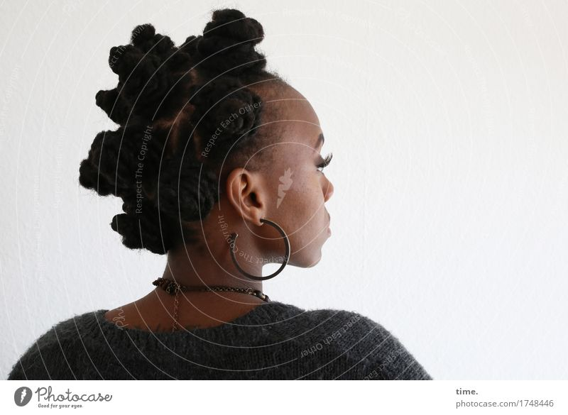 . Feminine 1 Human being Sweater Jewellery Earring Necklace Hair and hairstyles Black-haired Long-haired Afro Observe Think Looking Study Wait Exceptional