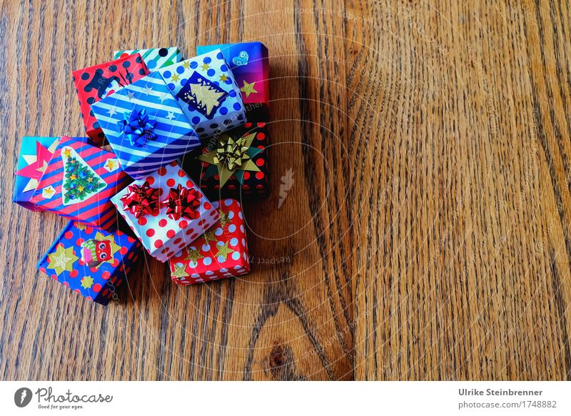 Christmas & Advent Wood Feasts & Celebrations Line Lie Decoration Happiness Uniqueness Gift Shopping Paper Stripe Mysterious Many Surprise Sharp-edged