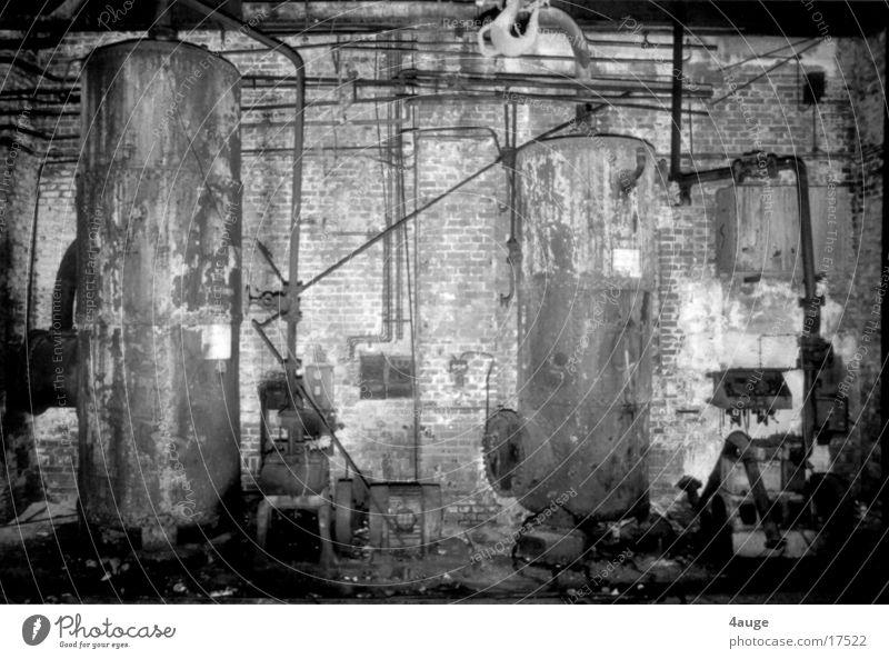 Lock hall 1 Goettingen Boiler Industry bait hall Black & white photo