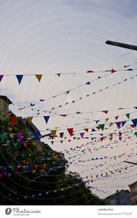 pennants Decoration Flag Feasts & Celebrations Kreuzberg Party Jewellery Street party Town pennant chain Living or residing Residential area Sky Twilight