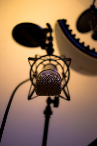 Blue Cold Warmth Yellow Gray Glittering Music Gold Radio (broadcasting) Microphone Language Singer Song Recording studio