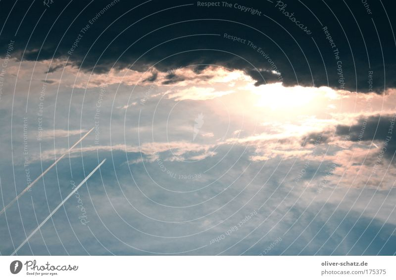 Sky Clouds Fear Aviation Thunder and lightning Storm Bad weather Vapor trail Storm clouds Clouds in the sky Turbulence Dark clouds