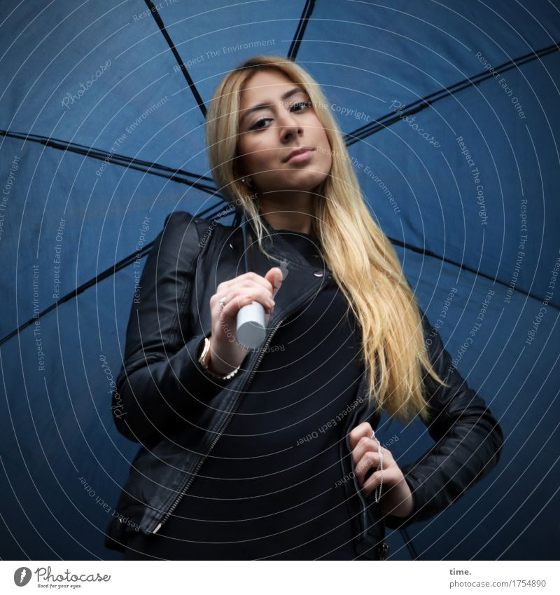 . Feminine 1 Human being Sweater Jacket Leather jacket Umbrella Blonde Long-haired Observe Looking Stand Wait Beautiful Self-confident Willpower Brave