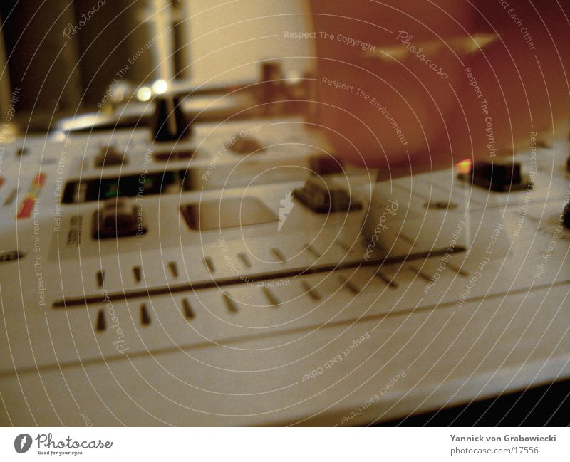 Music Technology Disc jockey Tone Mixing desk Bland Electrical equipment