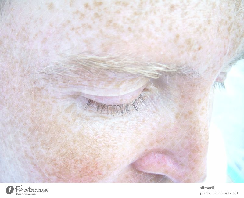 Human being Bright Partially visible Freckles Eyelash Pallid Eyebrow Skin color Complexion Face Face of a man Pigmented mole Closed eyes Facial colour