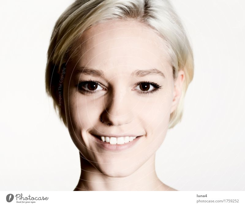 Portrait G Joy Happy Beautiful Face Human being Feminine Young woman Youth (Young adults) Woman Adults 1 18 - 30 years Blonde Smiling Laughter Happiness