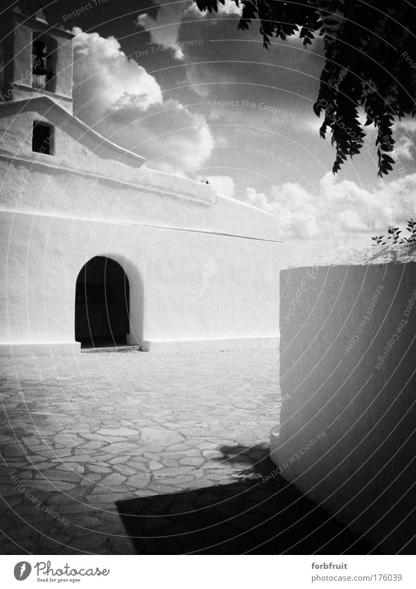Churchy Pinhole Black & white photo Experimental Contrast Long shot Old Historic Religion and faith Phoenician puritic forecourt Entrance Analog