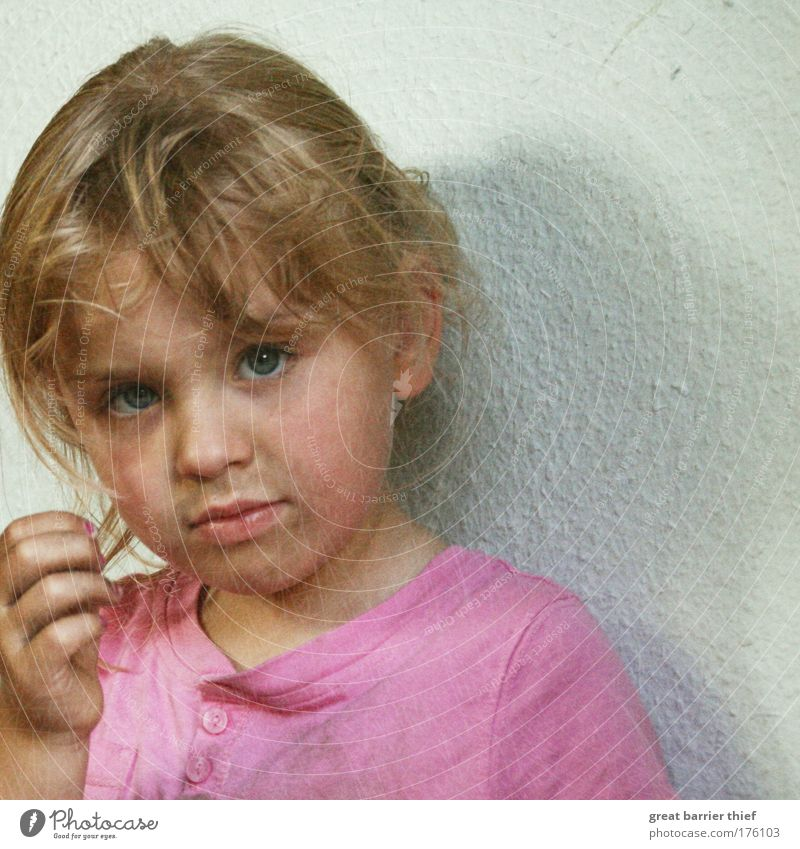 Human being Child Girl Summer Eyes Head Small Sadness Infancy Blonde Pink Dirty Mouth Nose Exceptional T-shirt