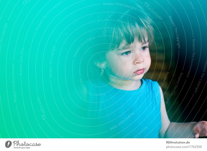 mint green Human being Masculine Child Toddler Boy (child) Face 1 1 - 3 years Observe Looking Curiosity Cute Infancy Colour photo Exterior shot Close-up