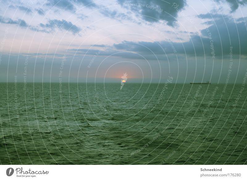 Sky Nature Blue Beautiful Sun Ocean Calm Far-off places Environment Freedom Horizon Esthetic Navigation Wanderlust Picturesque