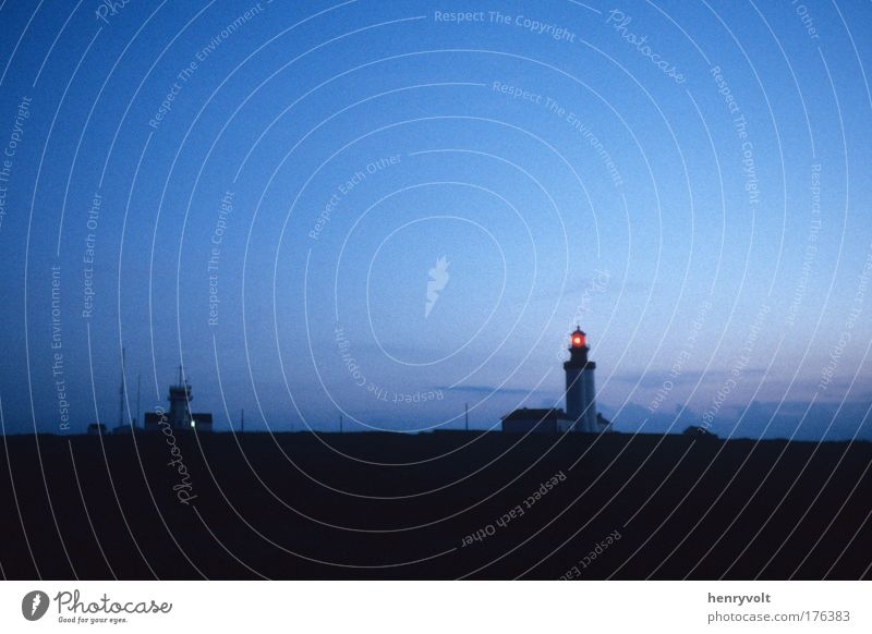 La nuit tombe sur le Stiff Colour photo Exterior shot Deserted Copy Space top Twilight Shadow Sunrise Sunset Wide angle Sky Night sky Island Ouessant Finistere