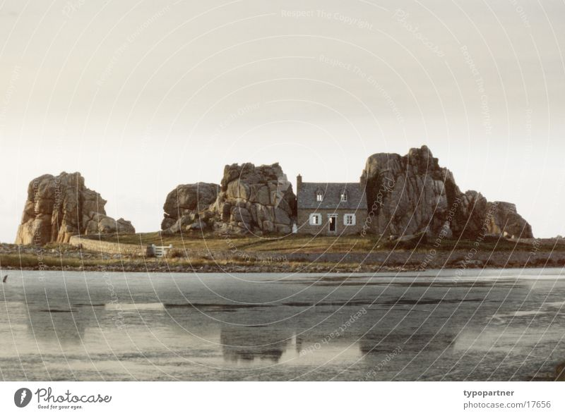 rock house House (Residential Structure) Wall (barrier) Ocean Moody Brittany Architecture Rock Sky