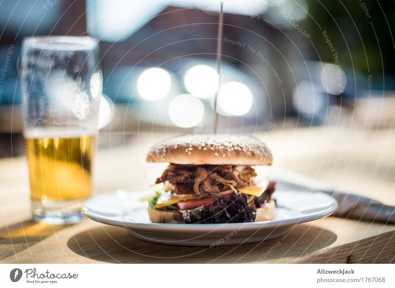 Burger & Beer Food Nutrition Lunch Slow food Alcoholic drinks Plate Glass Hip & trendy Delicious Eroticism To enjoy Cheeseburger Hamburger pulled pork Meat