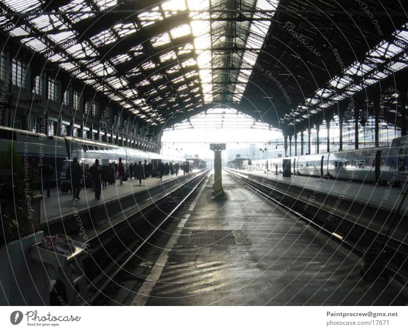 Wrong track Paris Express train Railroad tracks Stagnating Transport Train station arrivals hall Peron Warehouse