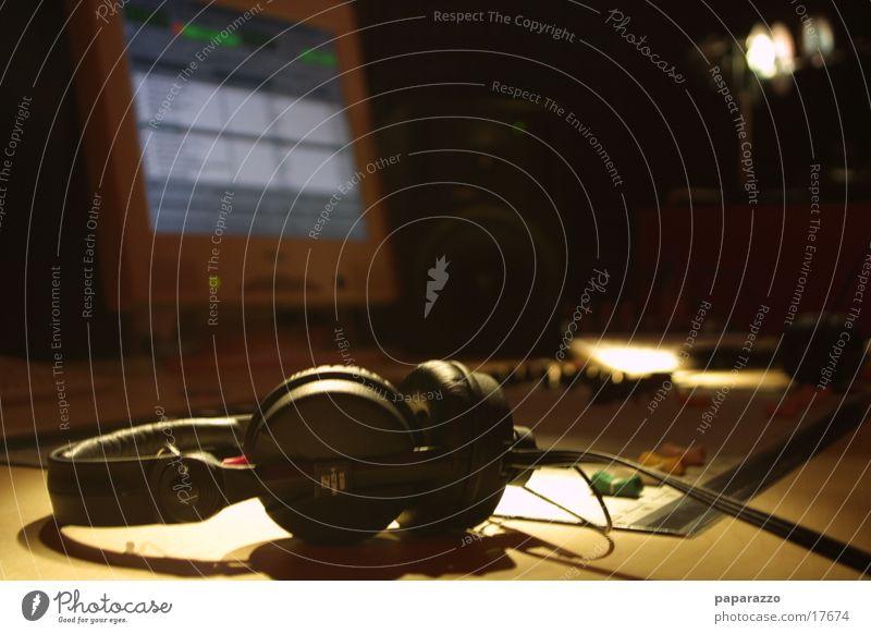 Digital broadcast studio Telecommunications Digital photography broadcasting studio broadcasting technology Radio (broadcasting)