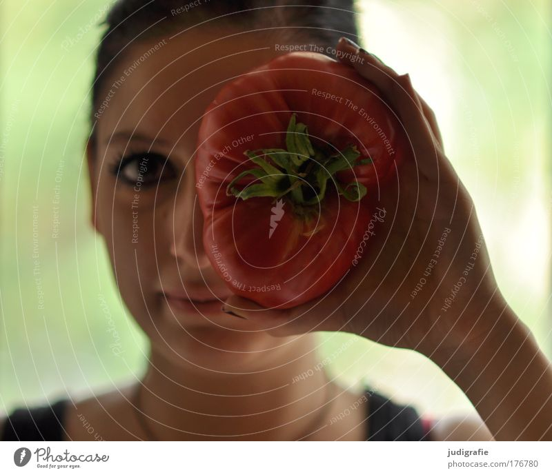 Human being Youth (Young adults) Beautiful Feminine Healthy Adults Food Large Nutrition Cooking & Baking Joie de vivre (Vitality) Vegetable Smiling Tomato