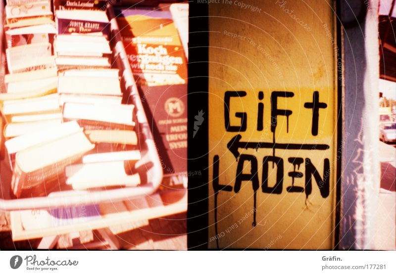 Graffiti Leisure and hobbies Signs and labeling Characters Book Broken Many Education Cheap Thrifty Bookshop Collector's item Lomography Media