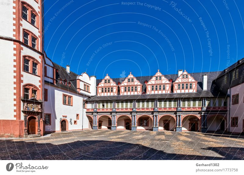 Inner courtyard of Weilburg Castle Vacation & Travel Trip Sightseeing Hiking Small Town Old town Facade Tourist Attraction Monument Lahn Interior courtyard